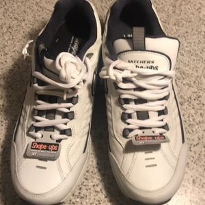 Men's Skechers Shape-ups  NWT size 11 white/Navy